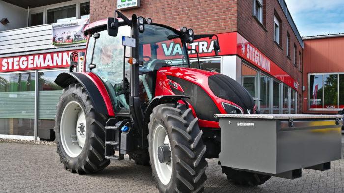 Valtra A104